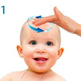 BabyBene® Gel Anwendung Schritt 1 - Gel mit trockenen Fingern wird auf die betroffende Haut des Babys aufgetragen